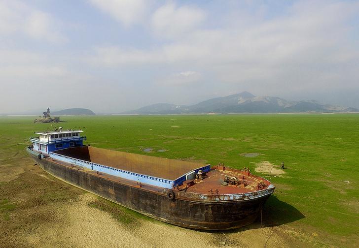 Фото №1 - История одной фотографии: баржа у озера Поянху