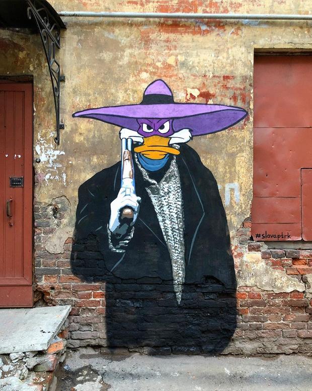 Фото №5 - В Нижнем Новгороде появилось граффити по мотивам фильма «Жмурки» и мультика «Чип и Дейл» (фото)