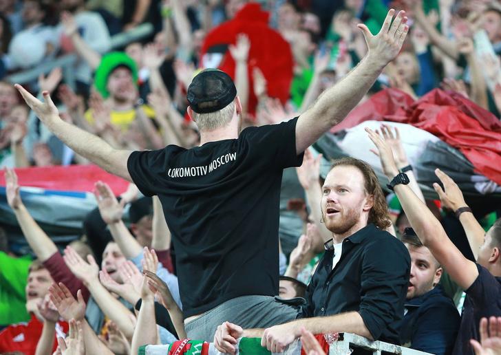 Фото №1 - Черный список российских футбольных фанатов просочился в Интернет