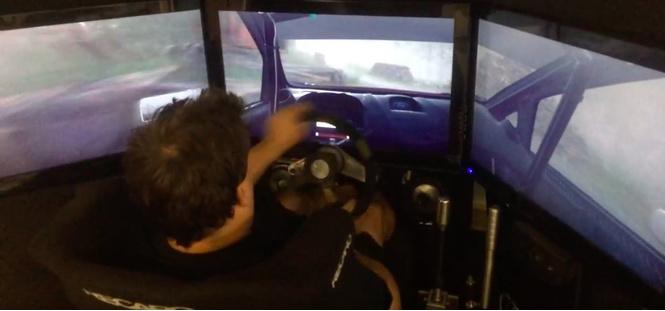 Настоящий пилот ралли проходит игру на компьютерном симуляторе (ВИДЕО)