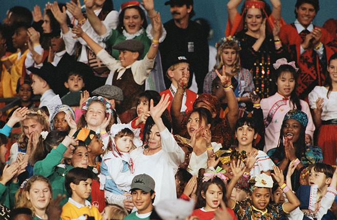Майкл Джексон с детьми на Супер Боуле 1993