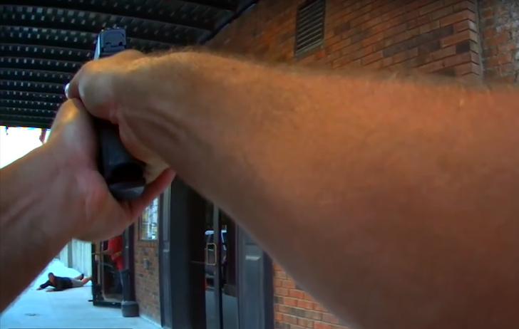 Фото №1 - Полицейский принял съемки фильма за настоящее ограбление. Видео!