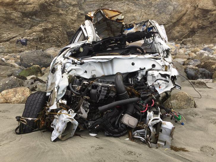 Фото №3 - Девушка упала с 80-метровой скалы и выжила! Но как?!