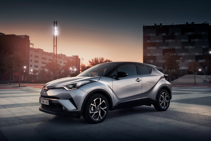 Фото №1 - Toyota C-HR: дизайн рулит
