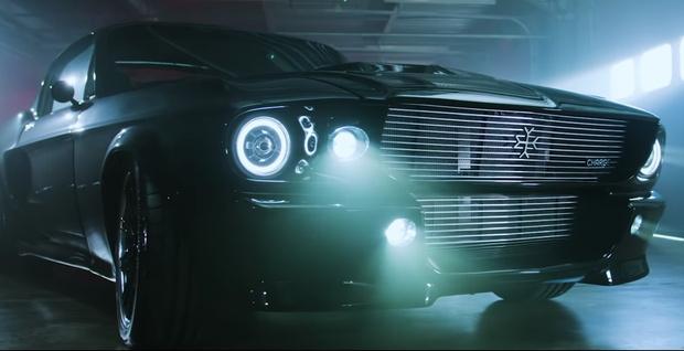 Фото №1 - Британский стартап сделает электрический классический Ford Mustang