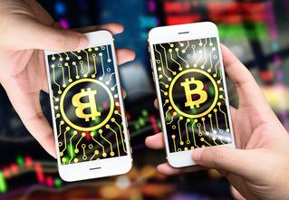 После бунта майнеров биткоин разделился на две криптовалюты