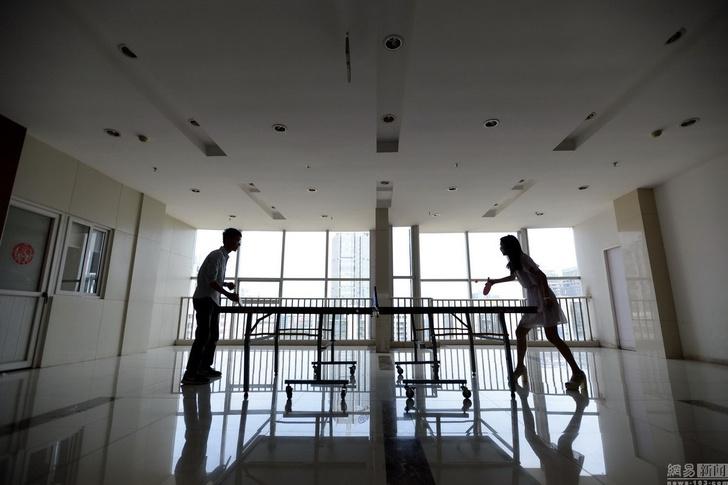 Фото №2 - Китайские компании нанимают чирлидерш для программистов!