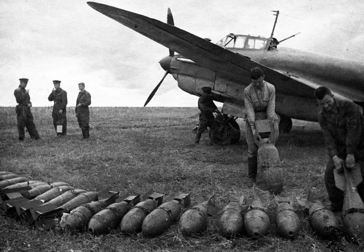 Фото №2 - Сколько советскому солдату платили за сбитый самолет и уничтоженный танк