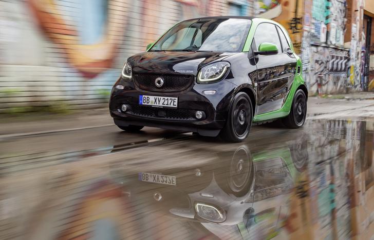 Фото №1 - Как Smart Electric Drive попал в вишлист автомобильного редактора MAXIM?