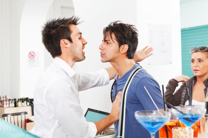 Фото №3 - Как привлечь внимание бармена