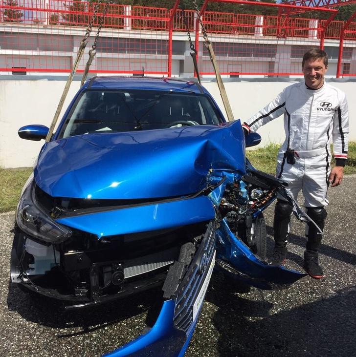 Фото №4 - Краш-тест: в новый Hyundai Solaris вместо манекена сел живой человек!
