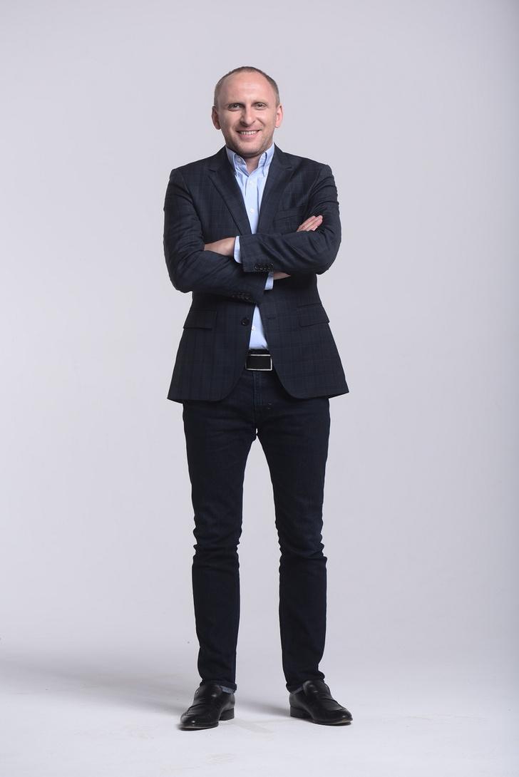 Фото №1 - Главный по издевательствам над звездами: Гавр рассказал о жизни после Comedy Club