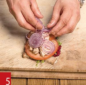 Фото №21 - Маслом внутрь! 4 самых простых мужских сэндвича