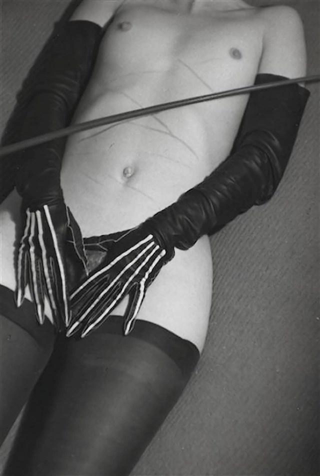 Фото №5 - Реклама фетишистского нижнего белья 1920-х годов