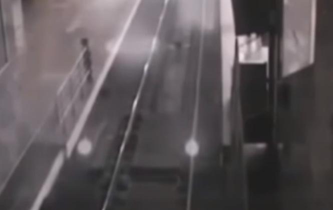 В «Поднебесной» камеры зафиксировали прибытие поезда-призрака