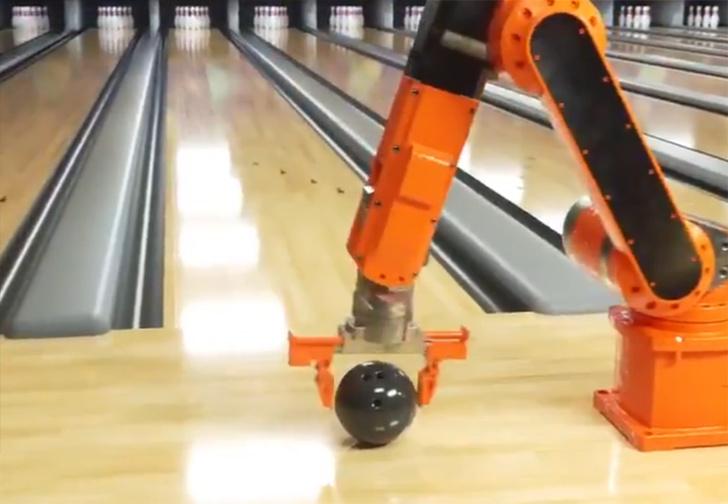 Фото №1 - Вирусный ролик про  агрессивного робота в боулинге оказался фейком (видео)