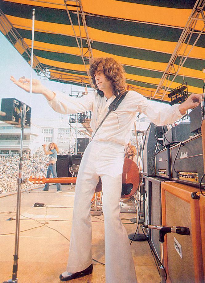 Led Zeppelin используют терменвокс во время своих выступлений