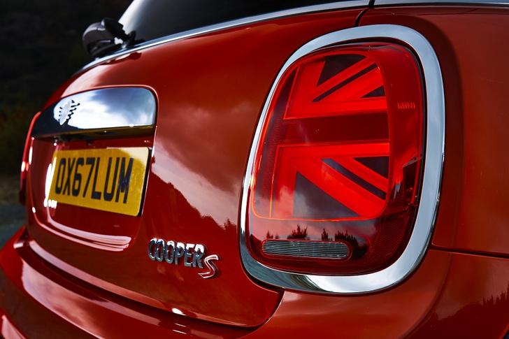 Фото №4 - Новое поколение: MINI 3 двери, MINI 5 дверей и MINI Cabrio