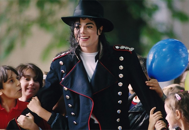 Фото №1 - Режиссеру-документалисту угрожают смертью за разоблачительный фильм о Майкле Джексоне