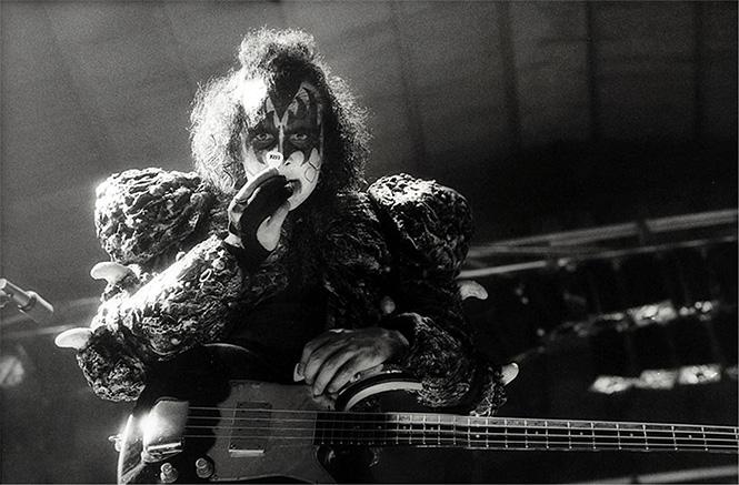 Фото №2 - Самые странные профессии рок-музыкантов до того, как они стали рок-музыкантами