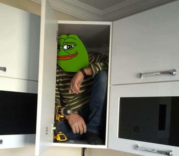 Фото №8 - В Сети набирает популярность флешмоб «Надежный шкафчик на одного»
