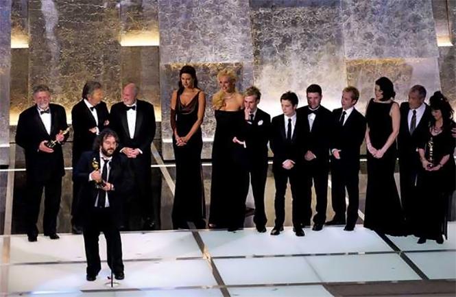 Фото №2 - «Оскар» попсеет и не краснеет. Теперь у Кардашян есть шанс!