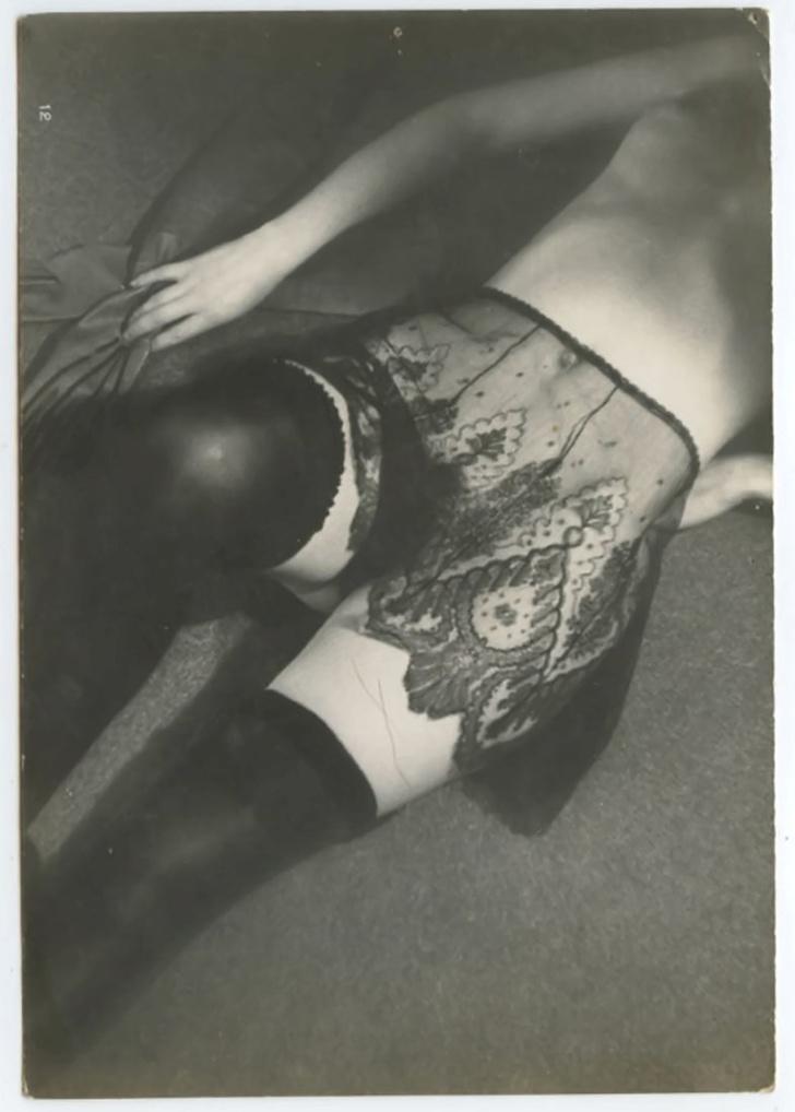 Фото №2 - Реклама фетишистского нижнего белья 1920-х годов