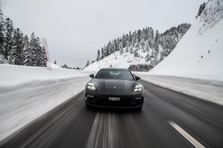 Фото №4 - Porsche Panamera GTS: в спортивной форме