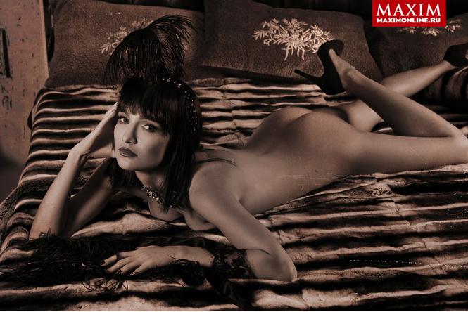 "Актриса Евгения Брик: «Да, я та самая девушка, которая голой сидит на лавке в сериале ""Оттепель""»"