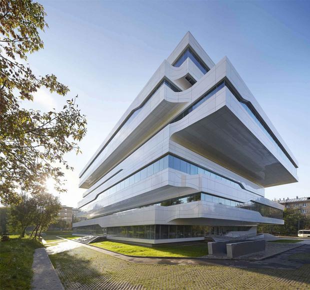 Фото №9 - Самые крутые здания женщины-архитектора Захи Хадид (плюс российские проекты и туфли)