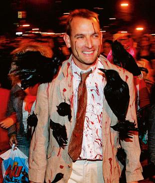 Фото №3 - Как посеять страх и ужас среди участников хэллоуинской вечеринки
