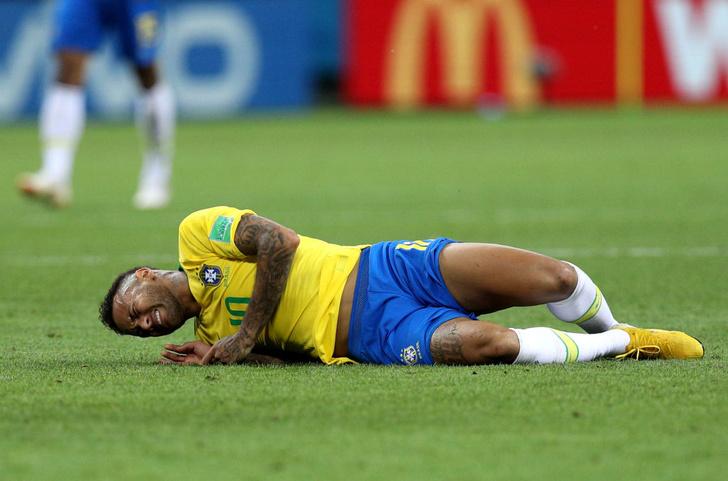 Фото №1 - Топ-10 мемов чемпионата мира по футболу!