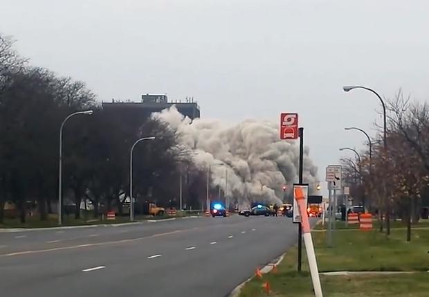 Фото №1 - Смотри, как здания сносят взрывом. Эпическая видеоподборка!