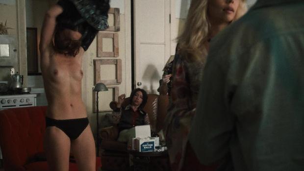 Фото №3 - Скромная Оливия Уайлд полностью обнажилась в сериале «Винил»