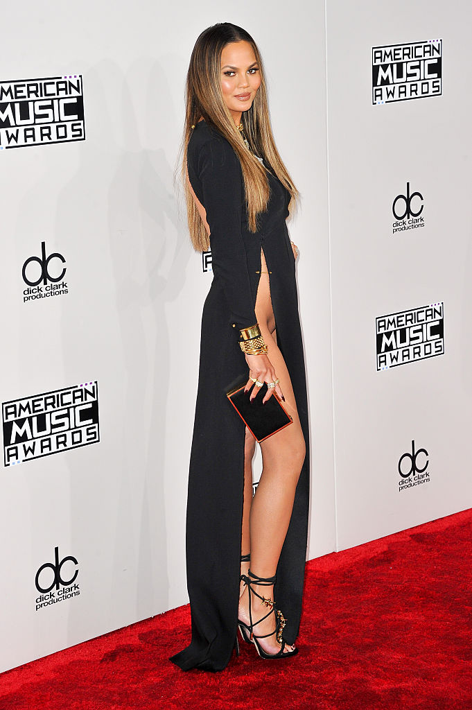 Фото №3 - Крисси Тейген в вагино-платье на церемонии American Music Awards