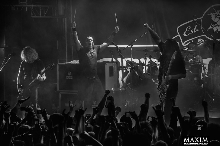 Фото №11 - Беспредел риска. Неожиданно зловещий концерт металистов всколыхнул московский клуб