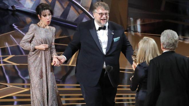 Фото №1 - Лучшие шутки об «Оскаре-2018»!