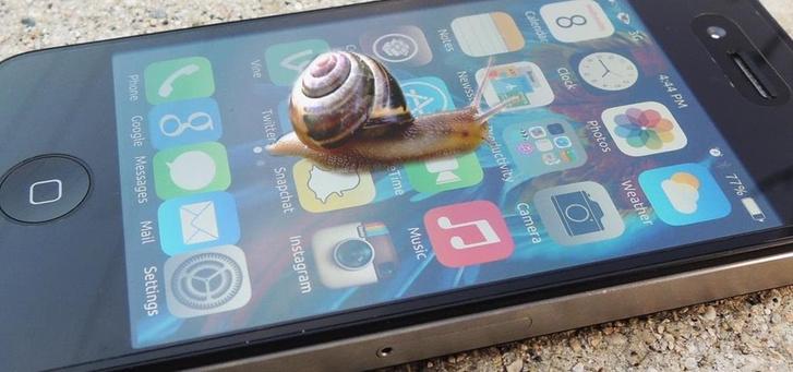Фото №1 - Apple и Samsung оштрафовали за преднамеренное замедление смартфонов