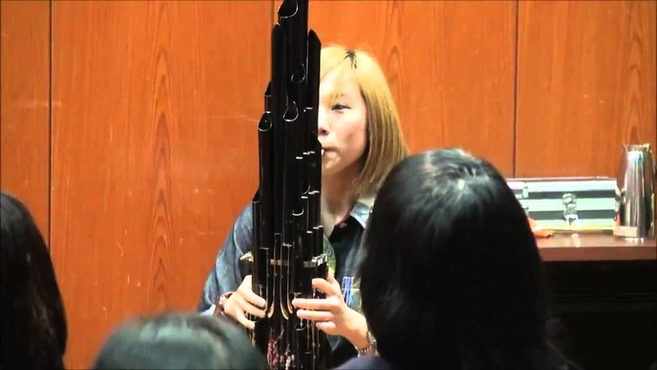 Фото №1 - Как звучит музыкальная тема из Mario на инструменте, которому 3000 лет (ВИДЕО)