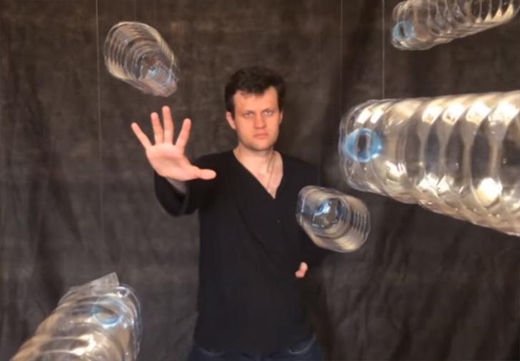Фото №1 - Как выглядит низкобюджетная версия фильма «Матрица» (видео)