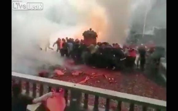 Тысячи взрывов на свадьбе: не теракт, а китайская традиция (ВИДЕО)