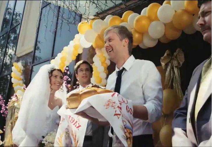 Фото №1 - Россияне назвали идеальный возраст для вступления в брак