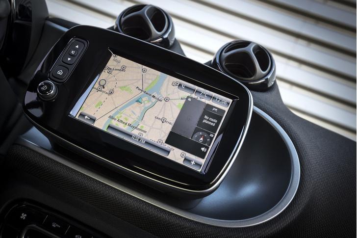 Фото №10 - Как Smart Electric Drive попал в вишлист автомобильного редактора MAXIM?