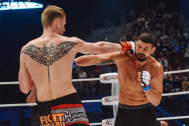 Фото №5 - Боевой окрас: что означают татуировки на телах профессиональных бойцов