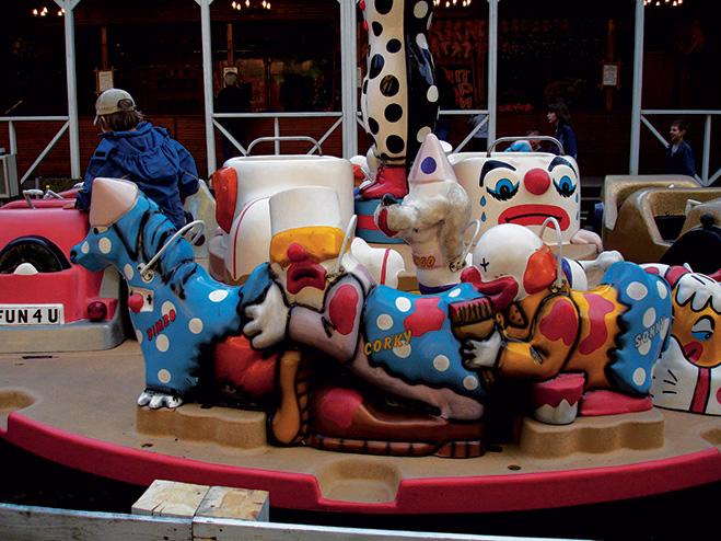 Фото №5 - Кто-то считает это приличным: клоунская многоножка и слишком радостный Дед Мороз
