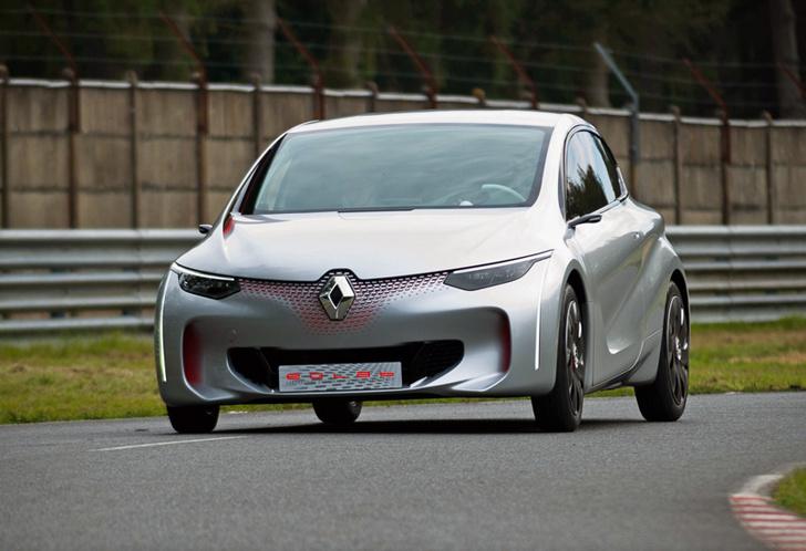 Фото №3 - Почему все следят за цветом кроссовок главного дизайнера Renault?