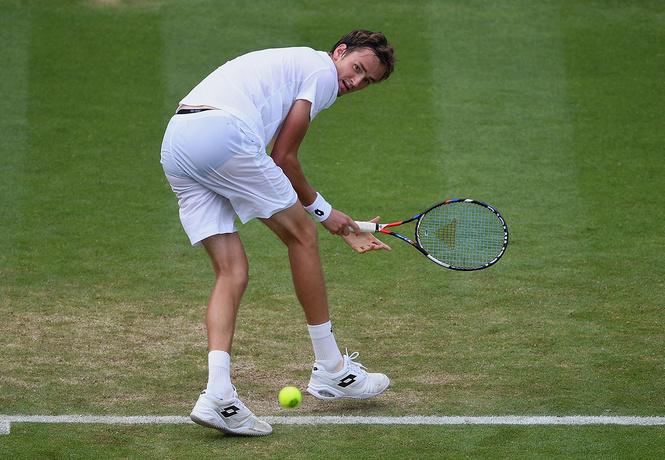 Русский теннисист швыряется монетами в судью! Ярость и беспредел на турнире в чопорной Англии