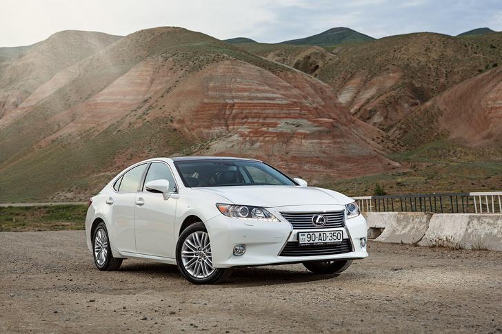 Фото №1 - Автомобиль недели: новое поколение бизнес-седана Lexus ES