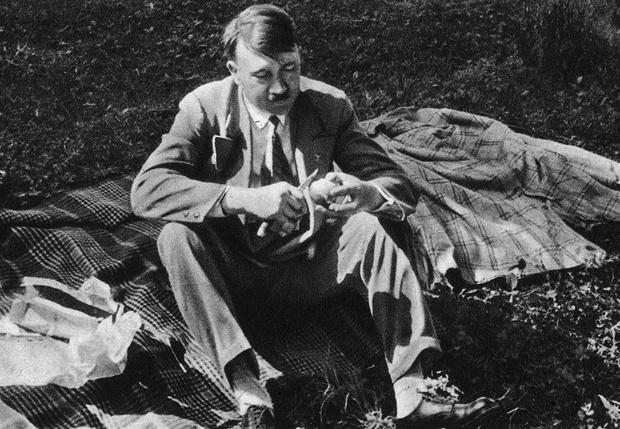 Фото №1 - Выяснилось, что было в меню последнего ужина Гитлера
