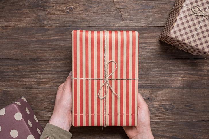 Фото №3 - Что будет, если ошибиться с подарком для женщины на 8 Марта? (Спойлер: ничего хорошего)